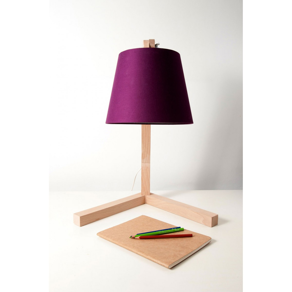 lampe sur pied design scandinave en bois oud s sign e bellila. Black Bedroom Furniture Sets. Home Design Ideas