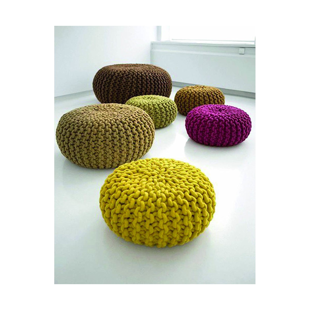 pouf tricot jaune. Black Bedroom Furniture Sets. Home Design Ideas