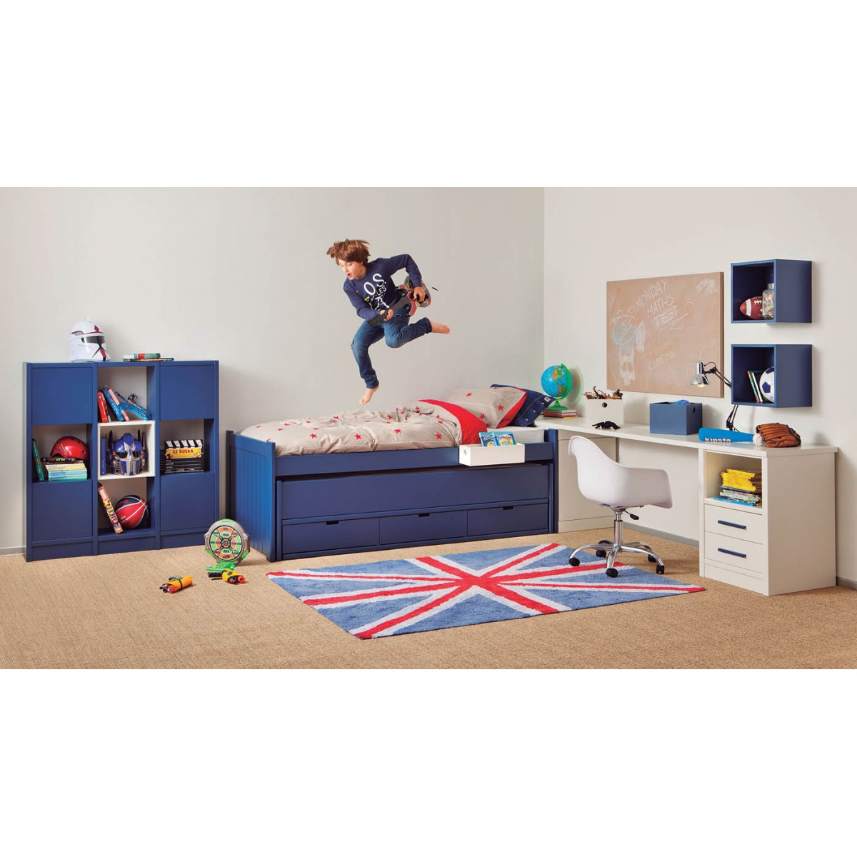 gallery of chambre enfant de qualite avec lit double bureau pour chambre garcon with chambre. Black Bedroom Furniture Sets. Home Design Ideas
