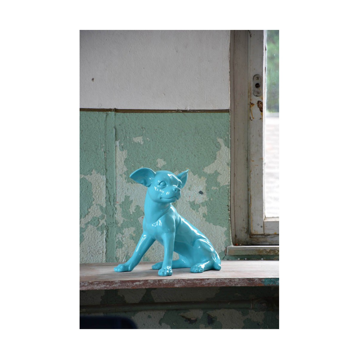 Objet d coratif en forme de chien chihuahua par art in the for Objet decoration d interieur