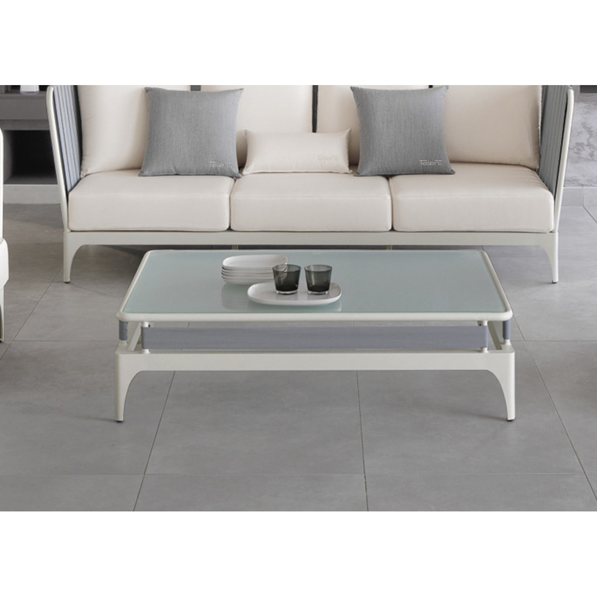 Table basse exterieur luxe for Table pour exterieur