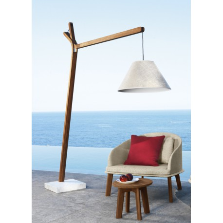 Sublime luminaire d 39 ext rieur en teck cl o sign talenti for Lampadaire interieur design