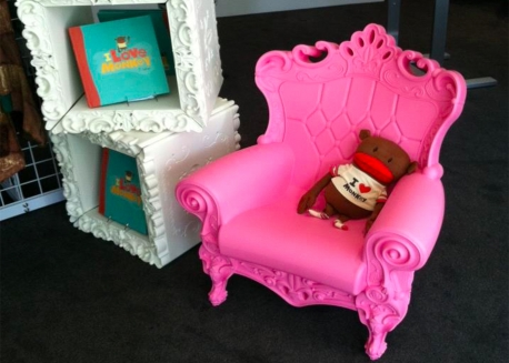 FAUTEUIL ENFANT DESIGN BAROQUE EN POLYETHYLENE 13 COULEURS - LITTLE QUEEN OF LOVE PAR SLIDE