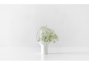 VASE DESIGN EN CERAMIQUE EMAILLE BLANC HEIRLOOM 1