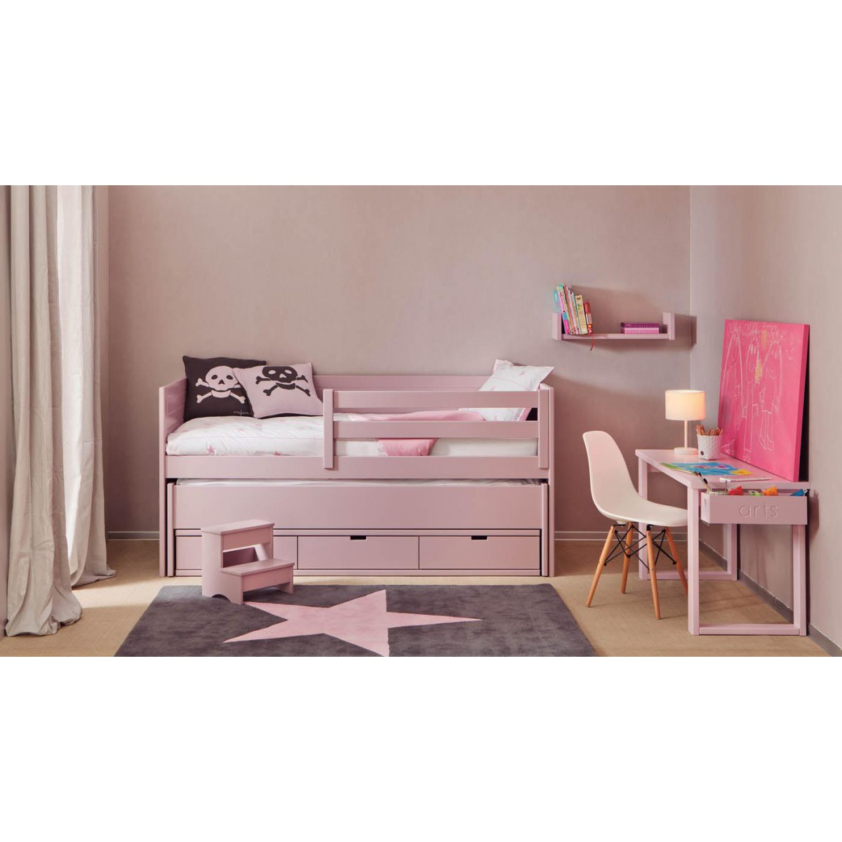 chambre pour enfants haut de gamme sign e asoral. Black Bedroom Furniture Sets. Home Design Ideas