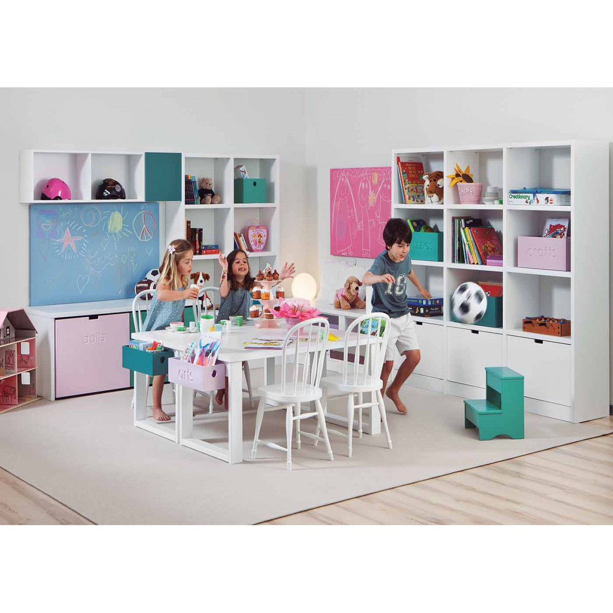 am nagement d 39 une salle de jeu pour enfants sign e asoral. Black Bedroom Furniture Sets. Home Design Ideas