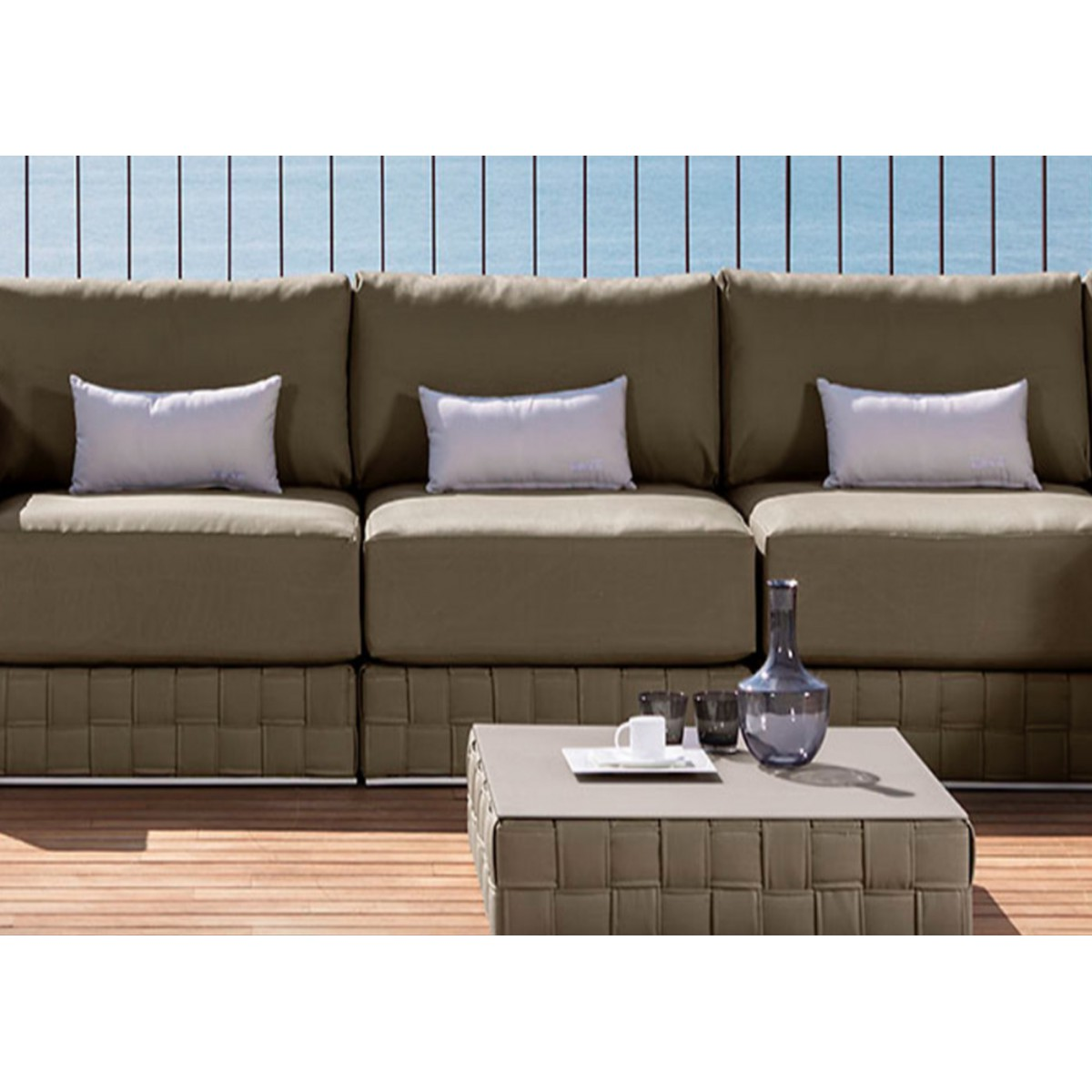 coussin d 39 ext rieur outdoor pour fauteuil et canap patch par talenti. Black Bedroom Furniture Sets. Home Design Ideas