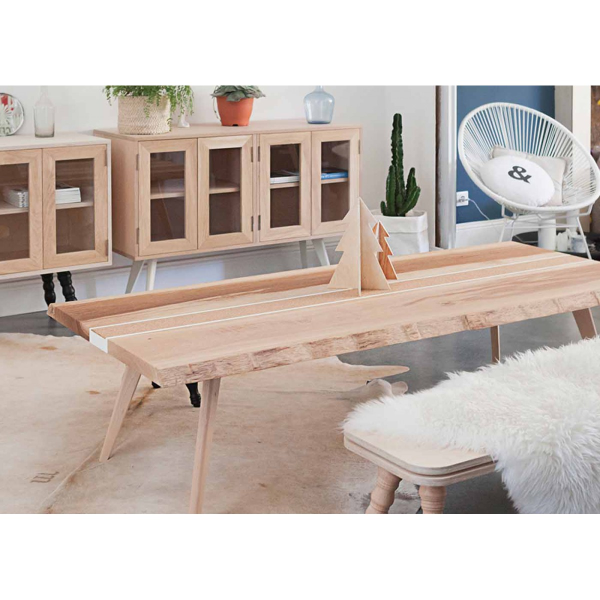 table basse design scandinave en ch ne massif tray blomkal. Black Bedroom Furniture Sets. Home Design Ideas