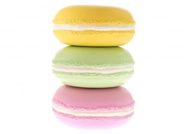 MACARON DECORATIF EN RESINE DE DIFFERENTES COULEURS PAR TEXARTES