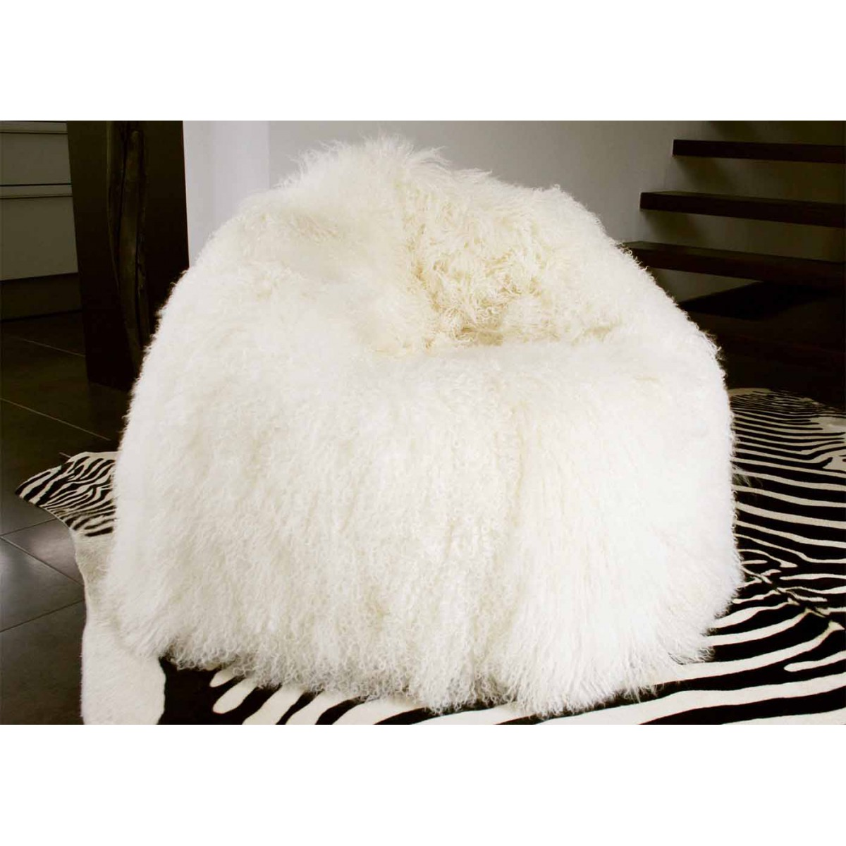 pouf xxl en peau de mouton hannibal sign angel des montagnes. Black Bedroom Furniture Sets. Home Design Ideas