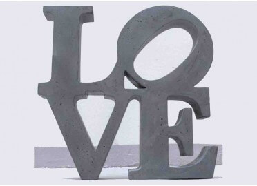"OBJET DECORATIF ""BIG LOVE"" EN BETON"