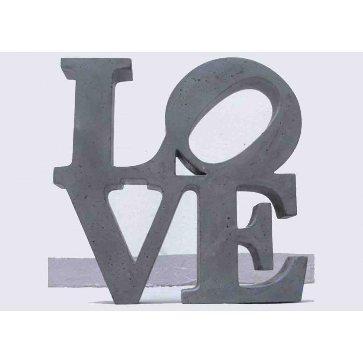 objet tendance en b ton color big love sign bbync