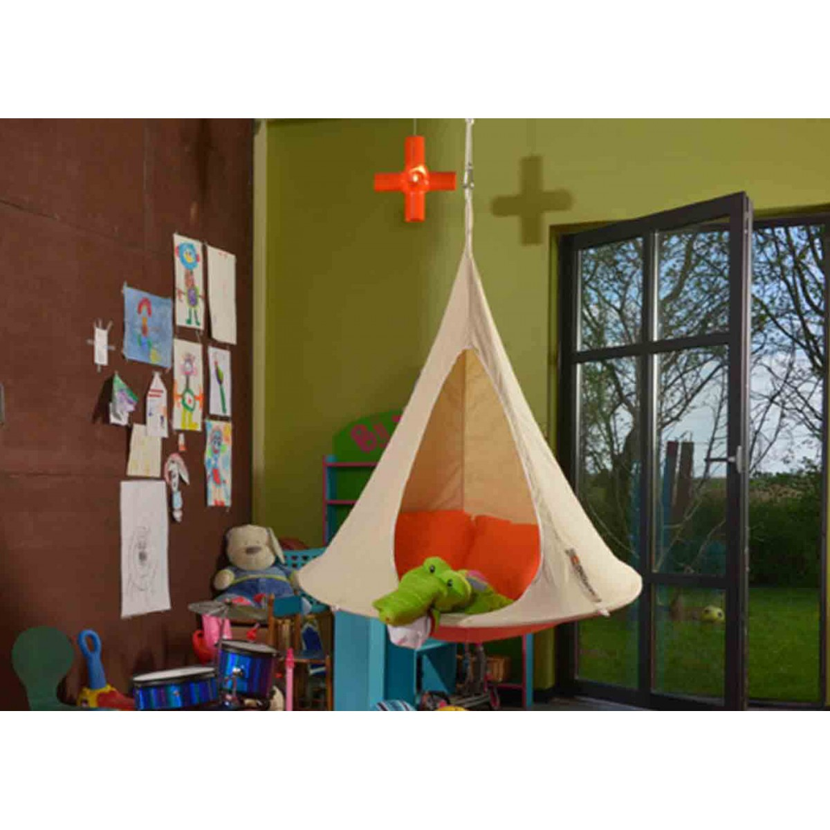 tente suspendue cacoon pour enfants sign e hang in out. Black Bedroom Furniture Sets. Home Design Ideas