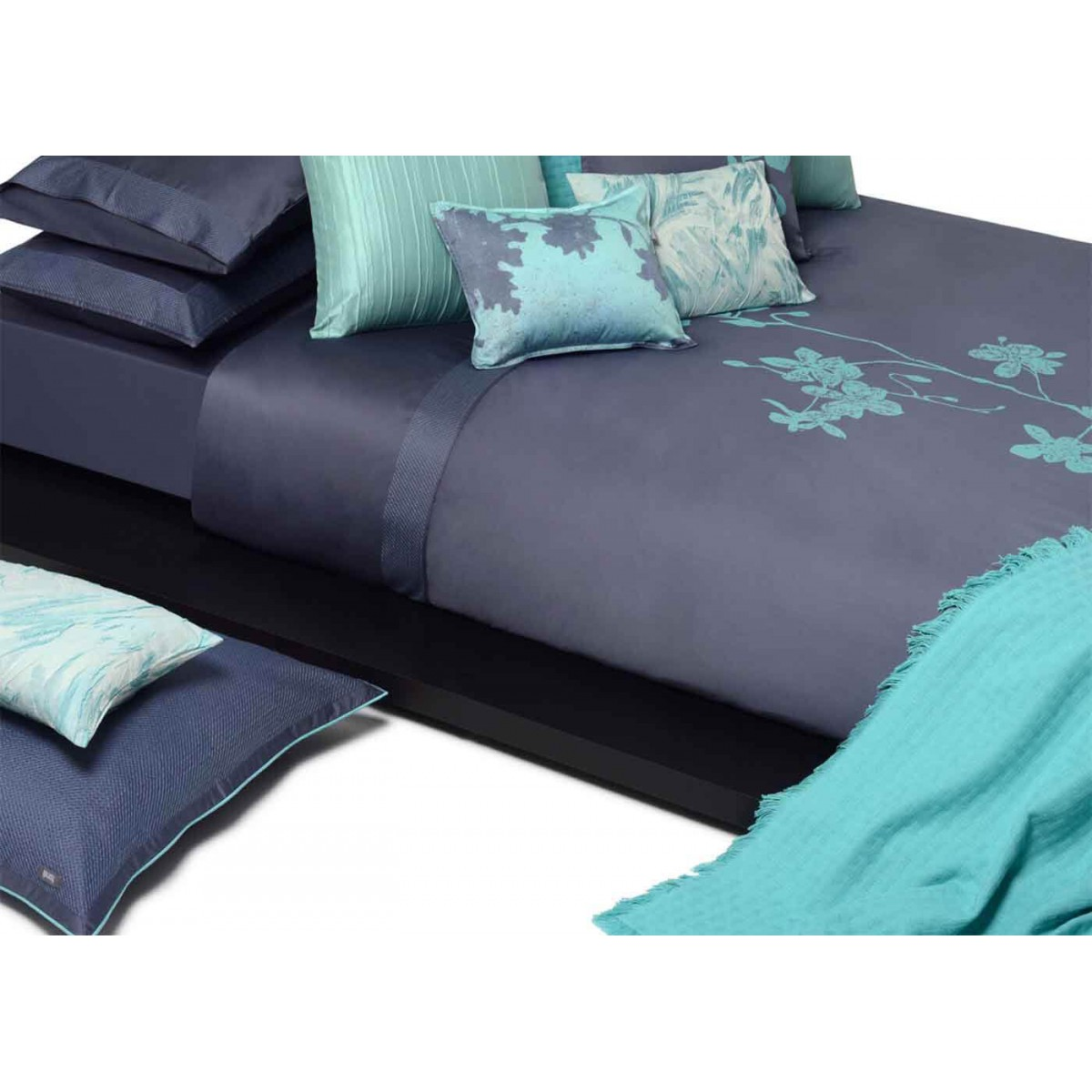 drap housse bleu fonc linge de maison batik chic par home concept. Black Bedroom Furniture Sets. Home Design Ideas