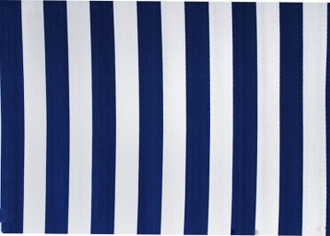 TAPIS INTERIEUR EXTERIEUR A RAYURES BLEU ROYAL ET BLANC STRIPES PAR GREEN DECORE