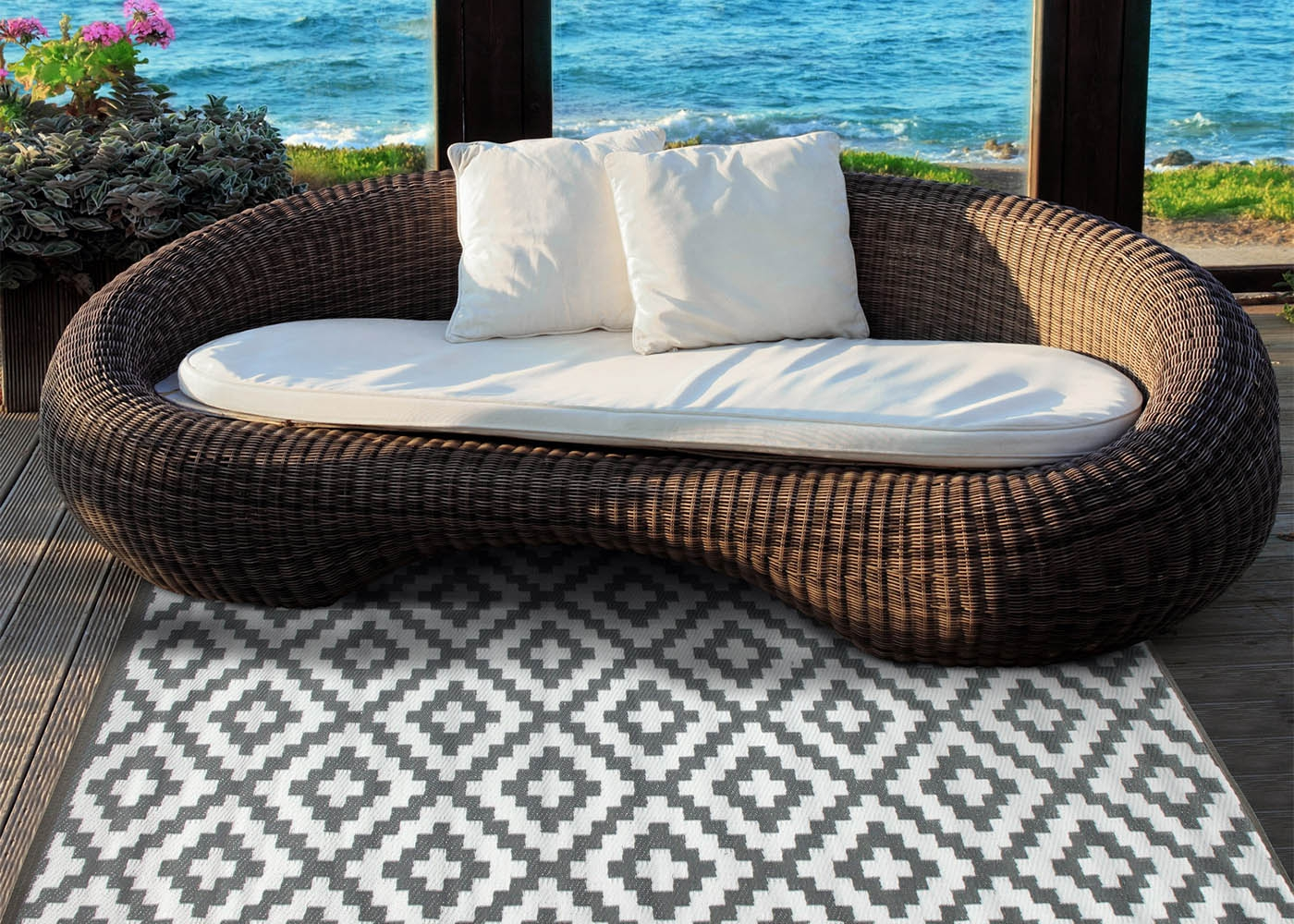 tapis outdoor indoor motif losange 5 couleurs chez ksl living. Black Bedroom Furniture Sets. Home Design Ideas