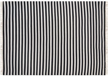 TAPIS A RAYURES NOIR ET BLANC AU DESIGN CHIC ET INTEMPOREL UNION PAR GREEN DECORE