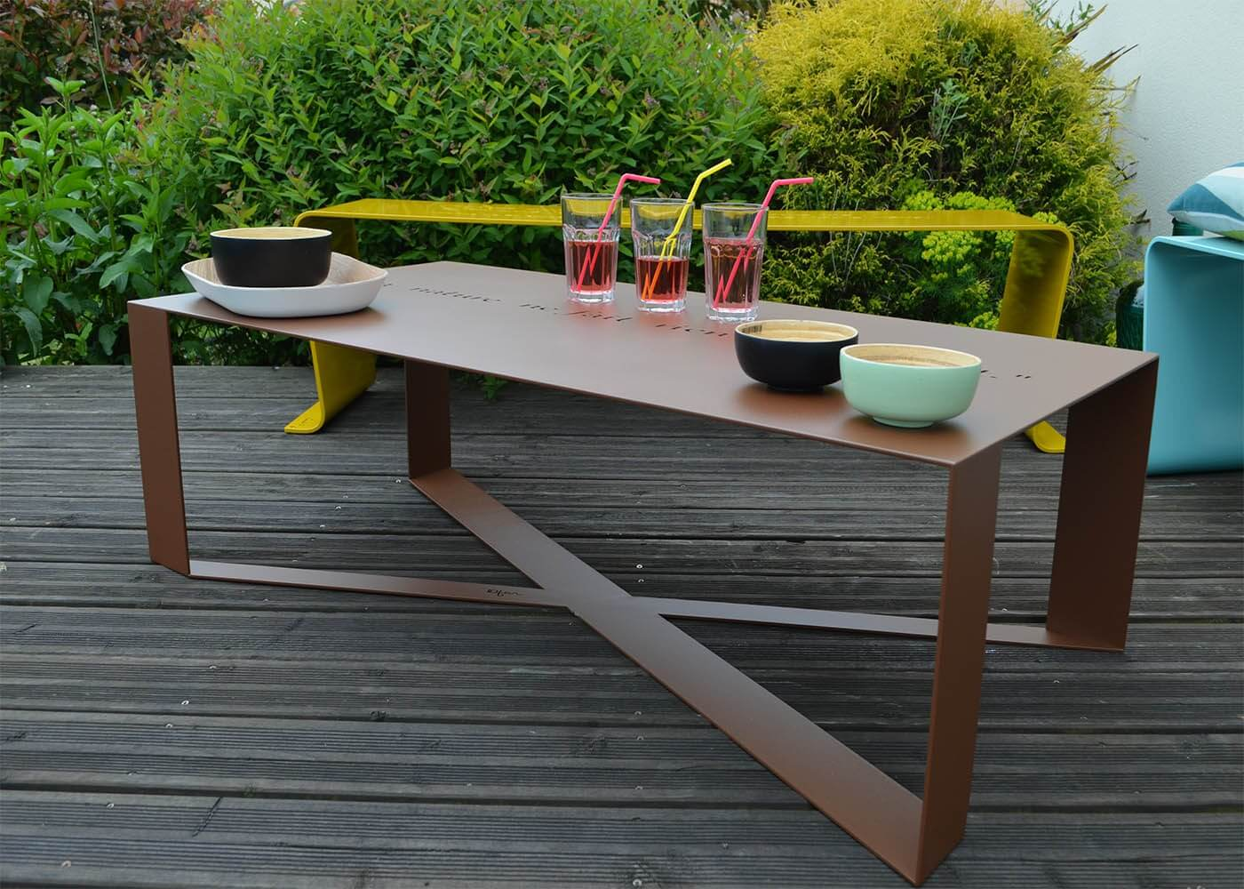 Stunning Table De Jardin En Metal De Couleur Images - House ...