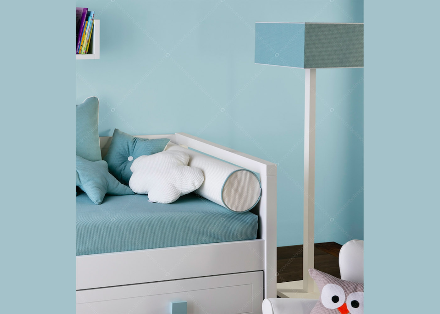 lampadaire pour chambre d 39 enfant aux couleurs vari es chez ksl living. Black Bedroom Furniture Sets. Home Design Ideas