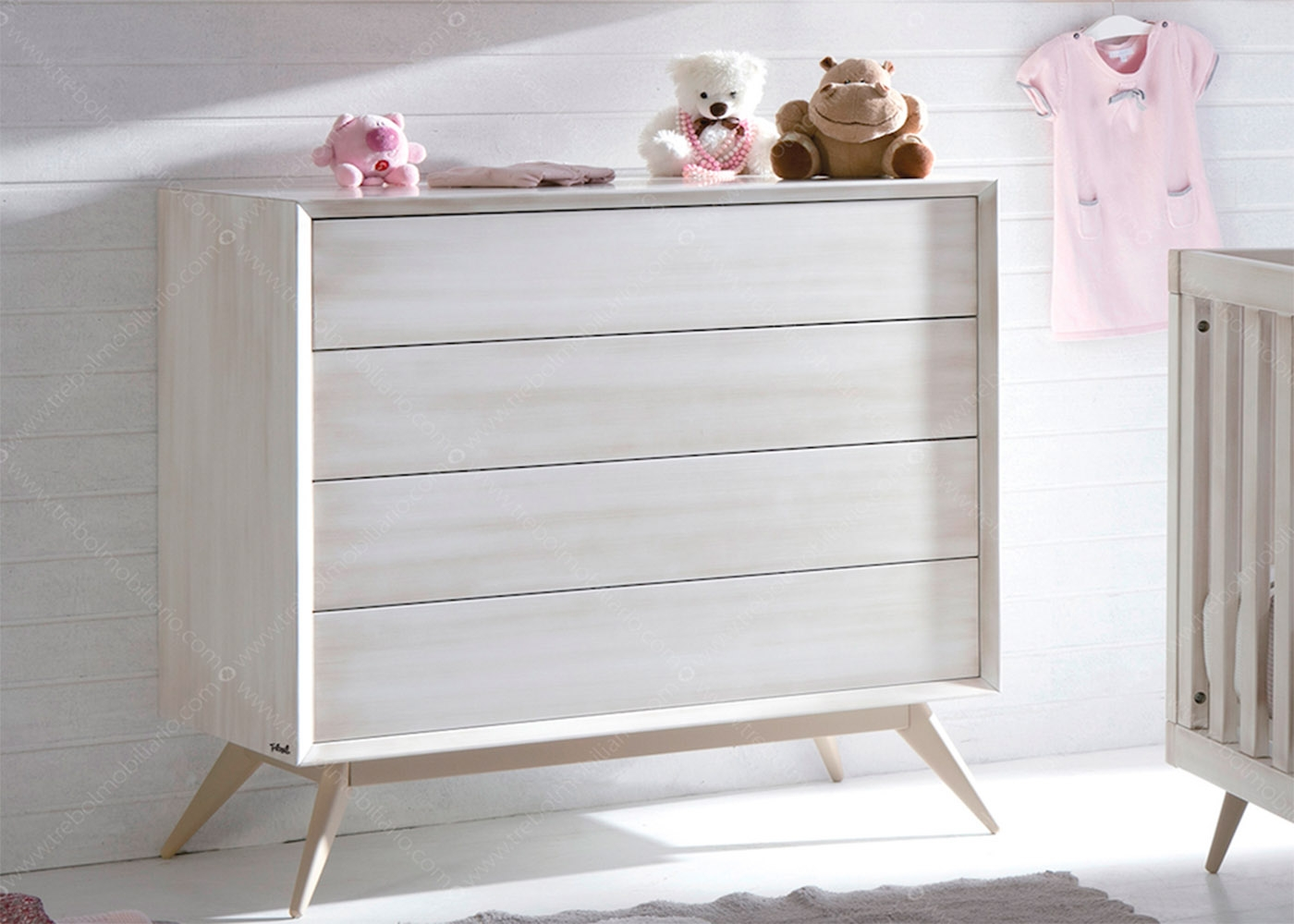 Perfect chambre bebe design scandinave avec lit commode et for Chambre bebe cocktail scandinave