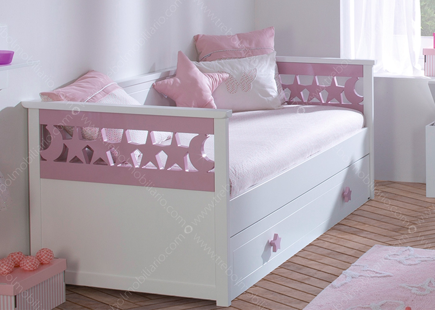 chambre fille design chambre gar on ksl living. Black Bedroom Furniture Sets. Home Design Ideas