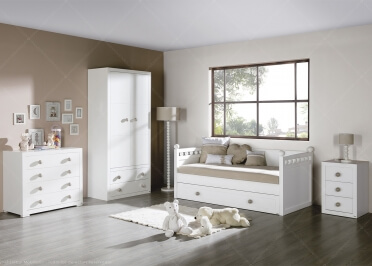 CHAMBRE JUNIOR AVEC LIT DOUBLE, ARMOIRE, COMMODE, TABLE DE CHEVET, LAMPE DE CHEVET ET LAMPADAIRE - COLLECTION BOLAS PAR TREBOL
