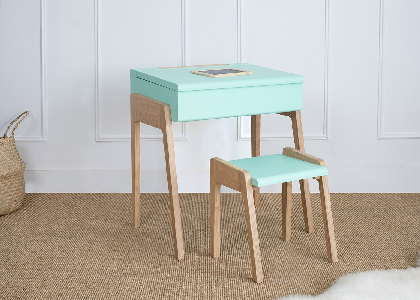 bureau design enfant bureau design en bois massif marley with bureau design enfant affordable. Black Bedroom Furniture Sets. Home Design Ideas