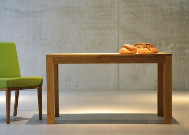 TABLE DE REPAS CARRE OU RECTANGLE EN CHENE MASSIF - DESIGN MODERNE 5 DIMENSIONS - CANA PAR JANKURTZ