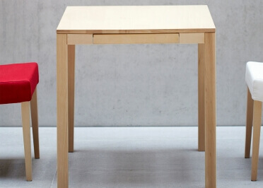 TABLE DE CUISINE EN BOIS DE HETRE CARREE OU RECTANGLE AVEC 1 TIROIR - 3 DIMENSIONS - HAYA PAR JANKURTZ