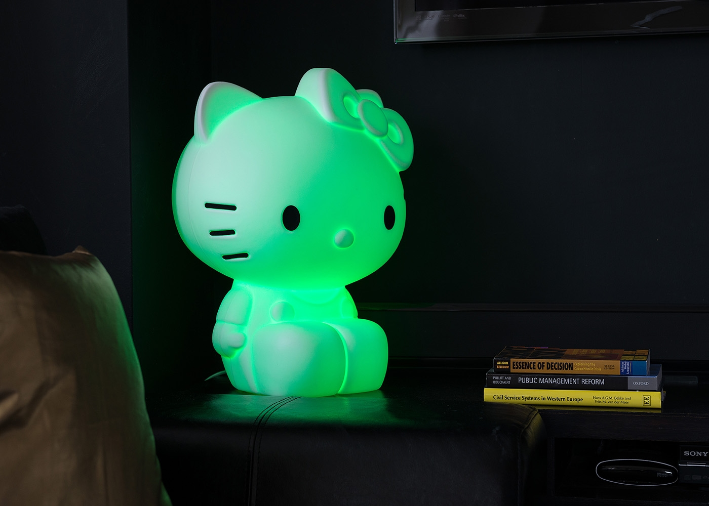 lampe d co pour fille hello kitty chez ksl living. Black Bedroom Furniture Sets. Home Design Ideas