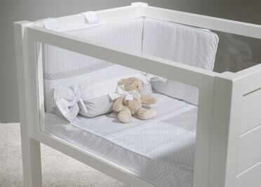 BERCEAU BEBE LIT BEBE 60x85 AVEC PAROIS LATERALES EN PLEXIGLAS OU A BARREAUX - COLORIS VARIES - COLLECTION SPORT PAR TREBOL
