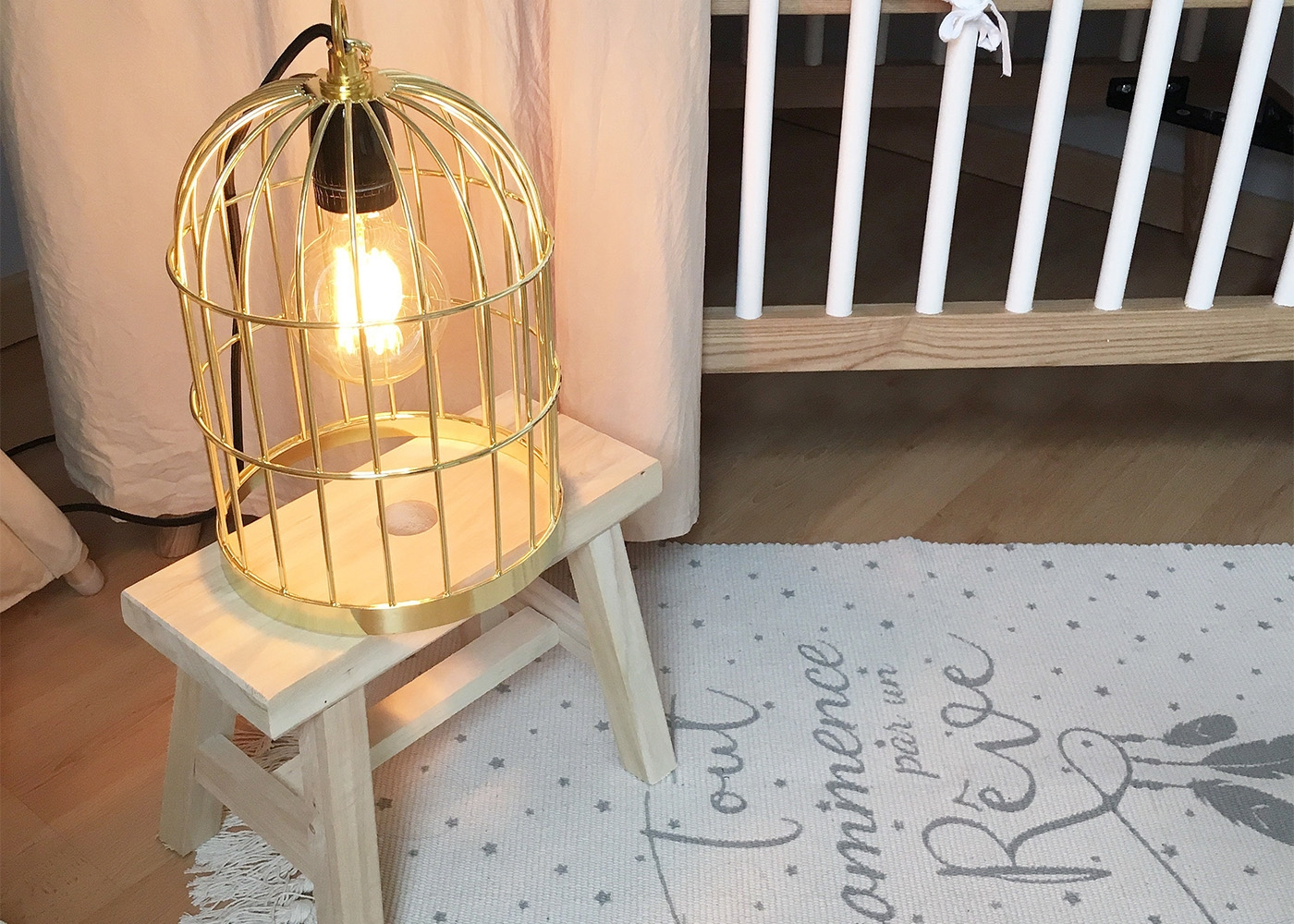 lampe design en forme de cage oiseau birdcage par filamentstyle. Black Bedroom Furniture Sets. Home Design Ideas
