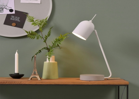 LAMPE DE BUREAU DESIGN EN METAL NOIR OU BLANC BASE BETON MADRID ITS ABOUT ROMY