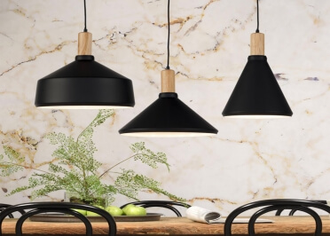 SUSPENSION NOIRE EN METAL ET BOIS DE FRENE 3 FORMES D'ABAT-JOUR MELBOURNE PAR ITS ABOUT ROMI