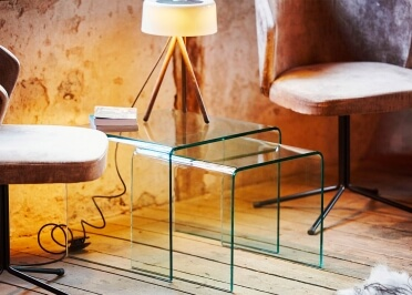 SET DE 2 TABLES D'APPOINT FACON GIGOGNE EN VERRE TRANSPARENT ET BORD ARRONDIS - BOW PAR JANKURTZ