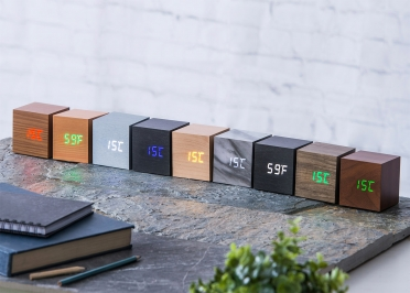HORLOGE REVEIL DESIGN ET HIGH TECH CUBE CLICK CLOCK PAR GINGKO