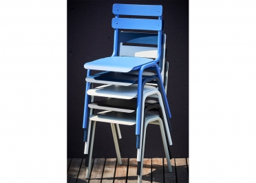 SET DE 4 CHAISES DE TABLE EMPILABLES EN ALUMINIUM BLANC NOIR BLEU GRIS OU MARINE - ONE PAR JANKURTZ