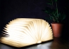 LAMPE DESIGN ORIGINALE ET NOMADE EN FORME DE LIVRE NOYER OU ERABLE BOOK LIGHT PAR GINGKO