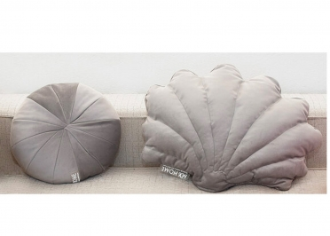 COUSSIN DECORATIF ORIGINAL EN VELOURS GRIS FORME OURSIN PAR MX HOME